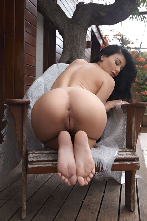 lucy li show nude ass 12 photos the fappening leaked nude celebs