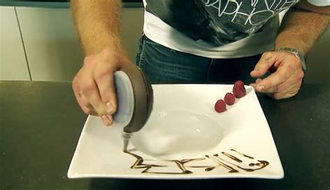 cours de cuisine à rennes astuce pour des décorations d assiette façon grand chef