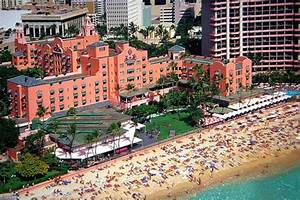 A Classic Norovirus Outbreak At The Royal Hawaiian Hotel