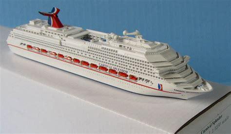 Souvenir CARNIVAL SPLENDOR Cruise Ship Model 11250 Scale