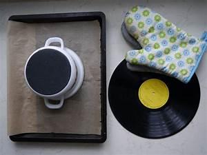 Schüssel Aus Schallplatte : das brauchst du eine alte schallplatte ein backblech einen topf und handschuhe idowa ~ Markanthonyermac.com Haus und Dekorationen