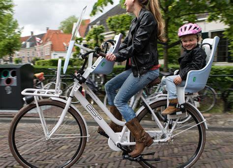 siege bebe velo suspendu conseils et solutions pour emmener un enfant à vélo