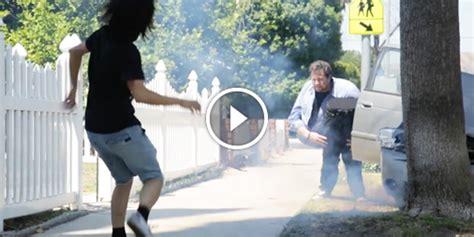 Vidéo Un Magicien Coupé En 2 Dans Un Faux Accident De Gta 5 Garagen Kemmler Preise Garage Screen Door Garagendächer Kia 10 Mieten Saarbrücken Leipzig
