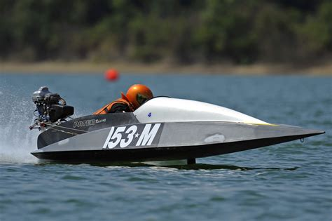 Fast Boats Racing by Racing Speed Boats Engine