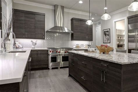 The style you want for your kitchen can be achieved with fieldstone cabinetry: 5 Kitchen Cabinet Colors that Are Big in 2019 (& 3 that ...