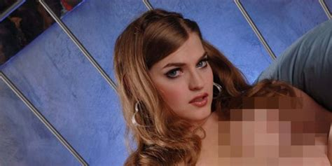Lima Bintang Porno Transgender Paling Menggoda Syahwat