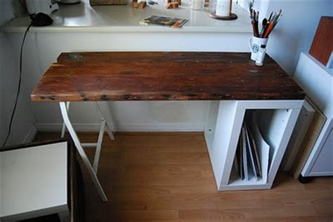 Ikea Desk Top Wood by 5 Diy Reclaimed Wood Desks For Your Home Office Shelterness
