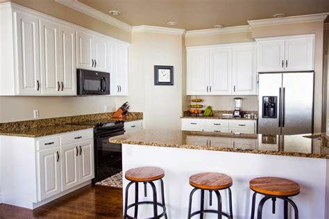 divas diy   paint kitchen cabinets   pro