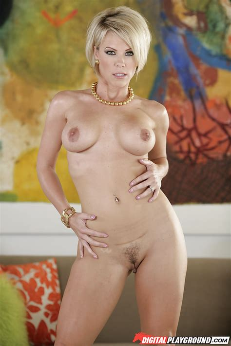 Lecherous Blonde MILF With Short Hair Can Suck And Ride