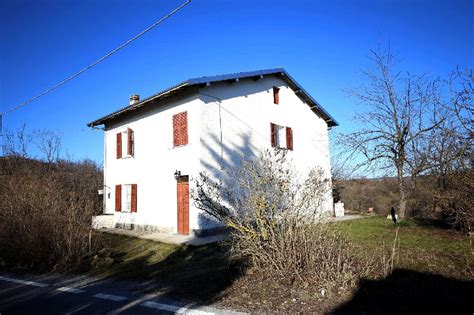 Wassereinrichtung Im Innenraumeingangsbereich Mit Wasser 2 by Bauernhof Kaufen In Ligurien Italien