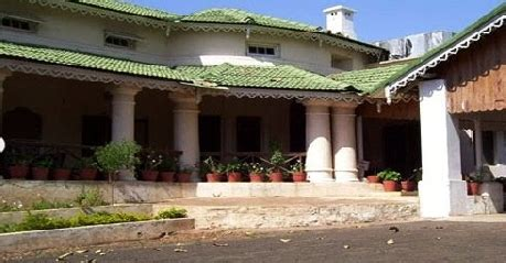 Hilltop Bungalow In Pachmarhi  Indian Holiday