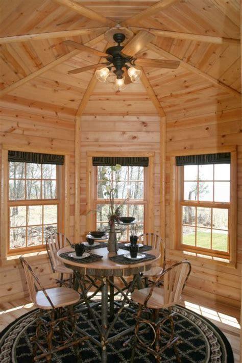 nice addition   log home   octagon shaped