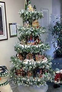 1000 images about CHRISTMAS VILLAGE Display on Pinterest