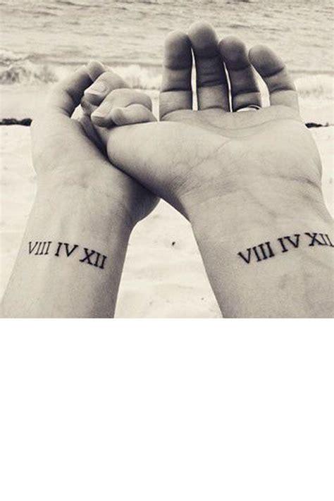 tatouage pour couple poignet