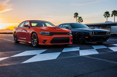 Dodge Charger And Challenger by 2017 Dodge Challenger V 2017 Dodge Charger