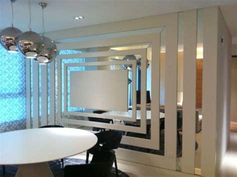Wandgestaltung Mit Spiegeln Optische Raumerweiterung by Deko Wandspiegel Wohnzimmer Wandgestaltung Mit Spiegeln