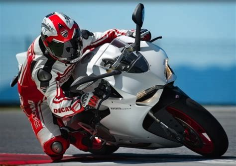 Unveiled The 2014 Ducati Panigale 899