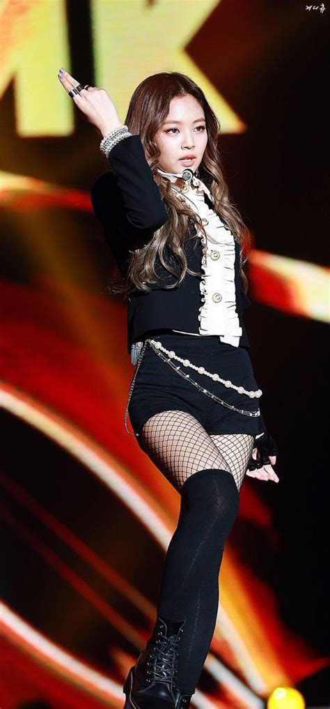 7 Photos of Jennieu2019s Classy and Sexy Stage Outfit u2014 Koreaboo