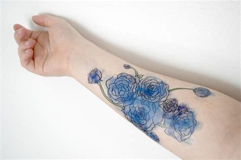 30 Blumen Tattoo Motive Im Trendigen Wasserfarben-look