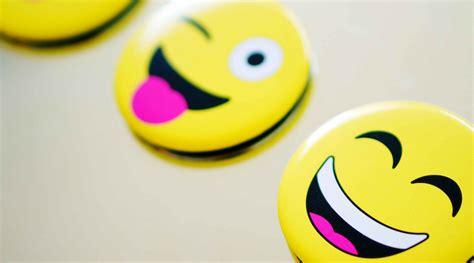 typing   smile  power  emojis delta dental