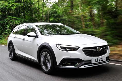 Vauxhall Insignia Country Tourer estate 2017 pictures ...