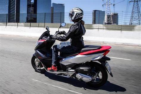 Pcx 2018 Imagens by Scooter Pcx 150 Da Honda Em Uma Vers 227 O Jornal A