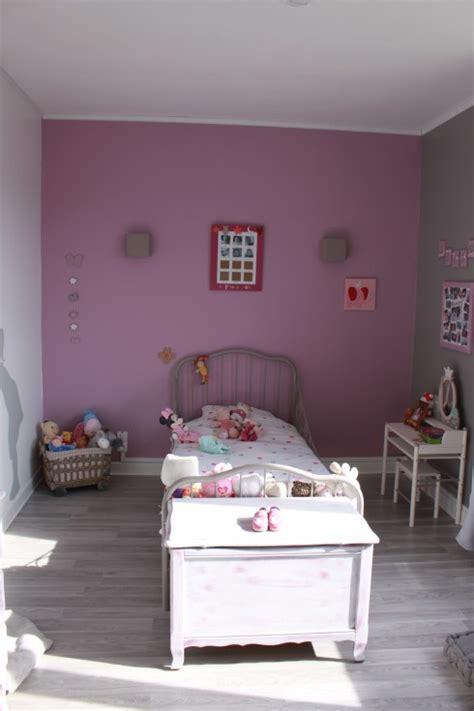 chambre violette et grise chambre leelou photo 2 11 ancien coffre a jouet repeint