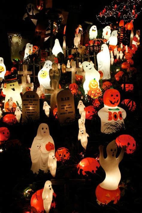 ghosts pumpkins decoration pictures   images