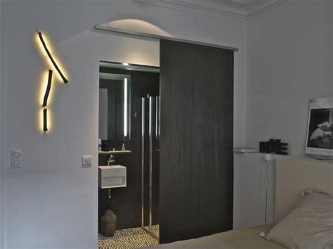 cuisine blanc laqué plan travail bois amenagement appartement haussmanien