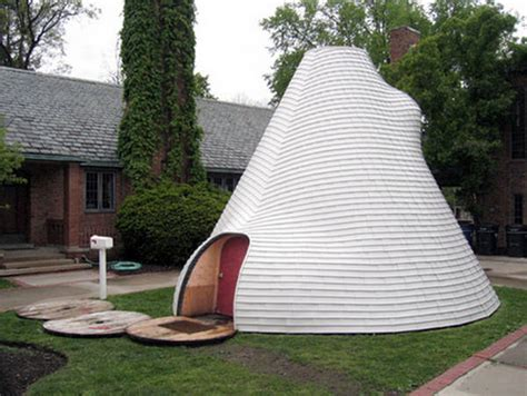 Suburban Tipi: The Nomad Housing Cool Architecture