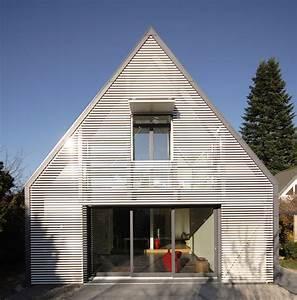 Was Kostet Ein Architekt Für Einen Anbau : wohnhaus mit wandelbarer screenfassade muenchenarchitektur ~ Lizthompson.info Haus und Dekorationen