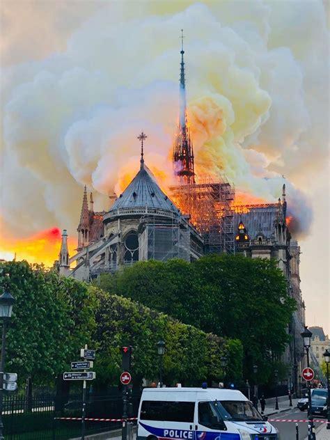 major fire  notre dame cathedral  paris main