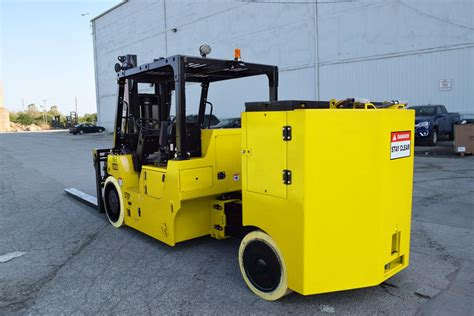 Electrified forklifts go big