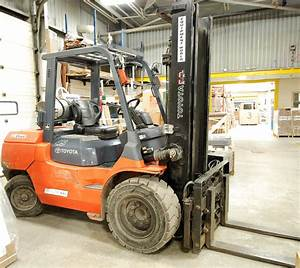 Toyota Mod  7fgu45  9000 Lb Forklift W  Pneumatic Tires  2