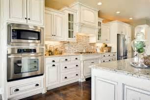 backsplash for a white kitchen antique white kitchen backsplash galleryhip com the hippest pics
