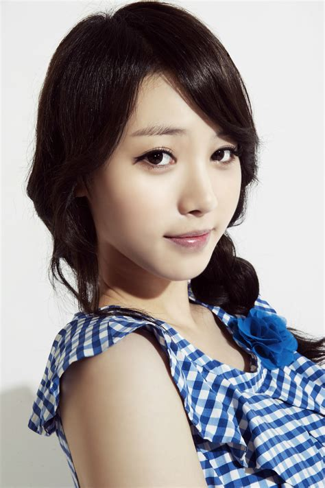 CUTE KOREA GIRLS | KOREA SEXY GIRL PICTURE: Yura Girl's Day
