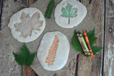 easy fall leaf crafts  kids colored salt dough leaf
