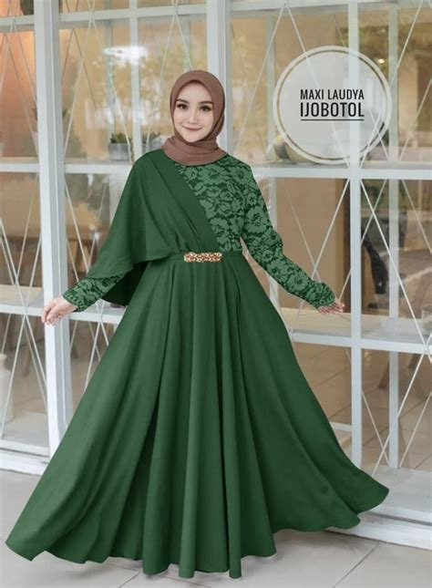 gaun pesta warna hijau