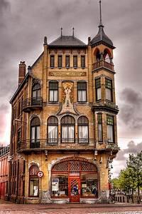 Art Nouveau Architecture : artnoveau building by architect g b broekema 1905 de ~ Melissatoandfro.com Idées de Décoration