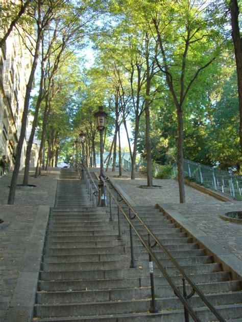 montmartre escaliers de la butte