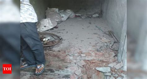 killed  blast  scrap dealers shop