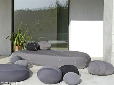 table bout de canapé jardin visez la plénitude décoration
