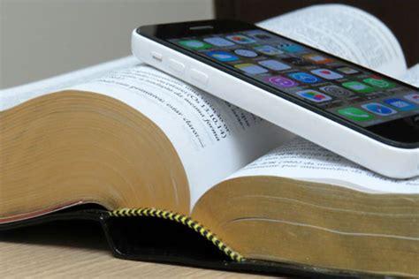 bible phone sermon illustration cell phone vs bible