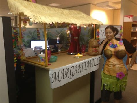 Margaritaville Themed Cubicle Decoration Cubicle