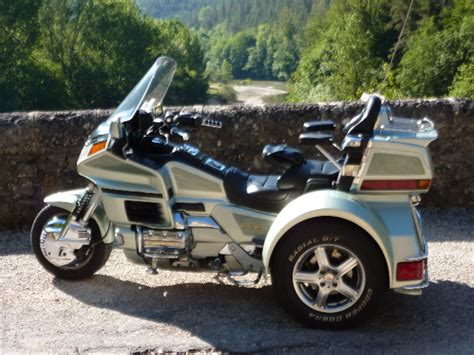 bureau de change 6 troc echange trike goldwing 1500 6cyl an 2000 sur