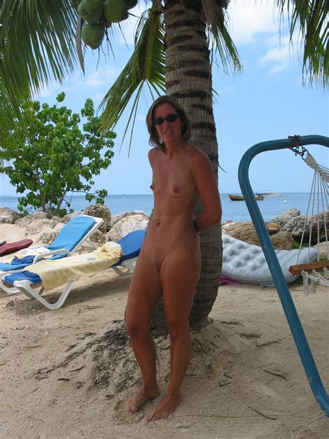 Nude Mature At The Beach Nu In Gallery Nude Mature At The Beach Picture Uploaded By