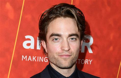 robert pattinson watched twilights  moon   day heres   thought robert