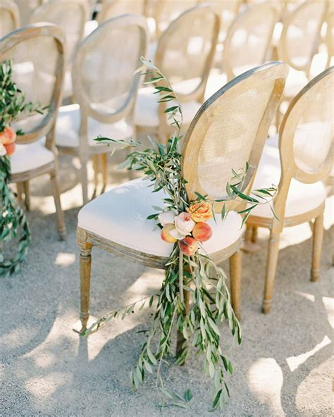 elegant  affordable wedding flower ideas  love