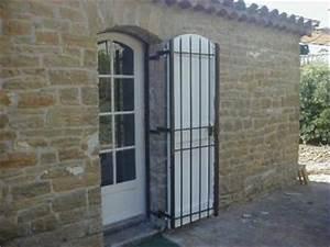 Grille Porte D Entrée : grille de protection pour porte de service ~ Melissatoandfro.com Idées de Décoration