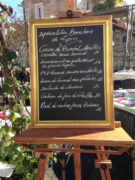 spécialité lyonnaise cuisine les spécialités lyonnaises picture of le bouchon l 39 isle